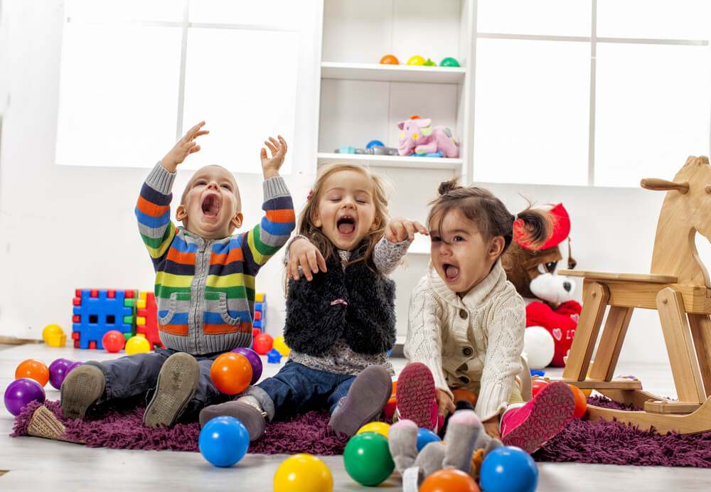 kids-entertained-at-home
