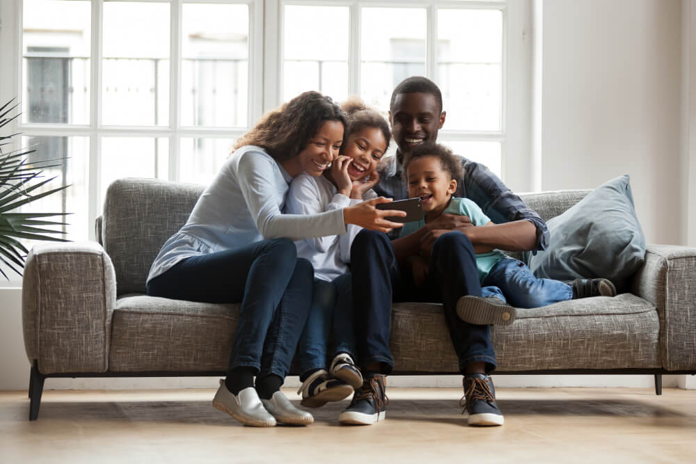 Family Bonding Together with Smartphone
