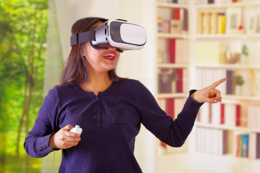 Virtual Field Trips - Woman wearing VR glasses