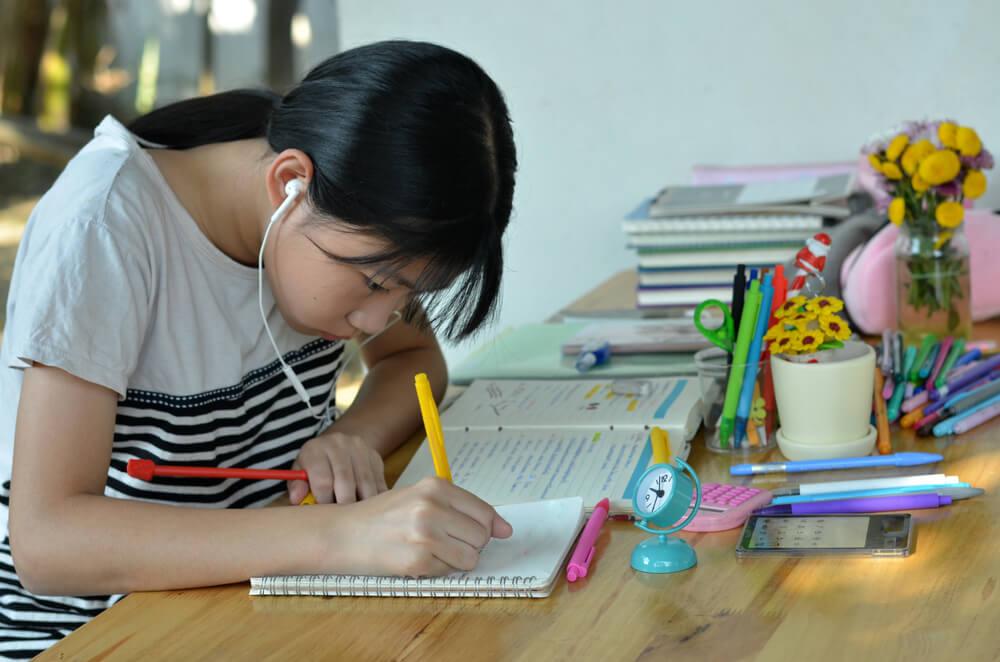 homeschooling-high-school-students-music