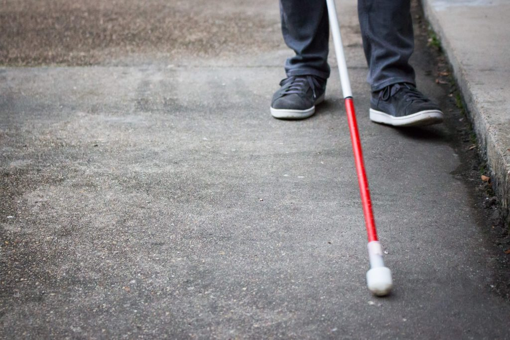 social-distancing-on-blind-and-visually-impaired-use-longer-canes