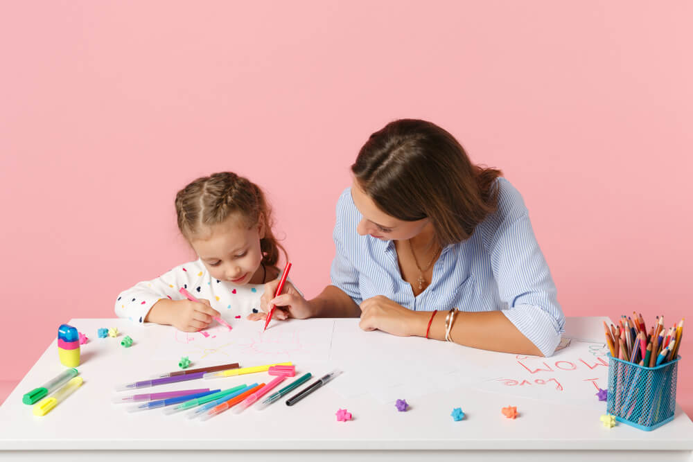 realistic expectation - mom drawing with daughter - parent engagement