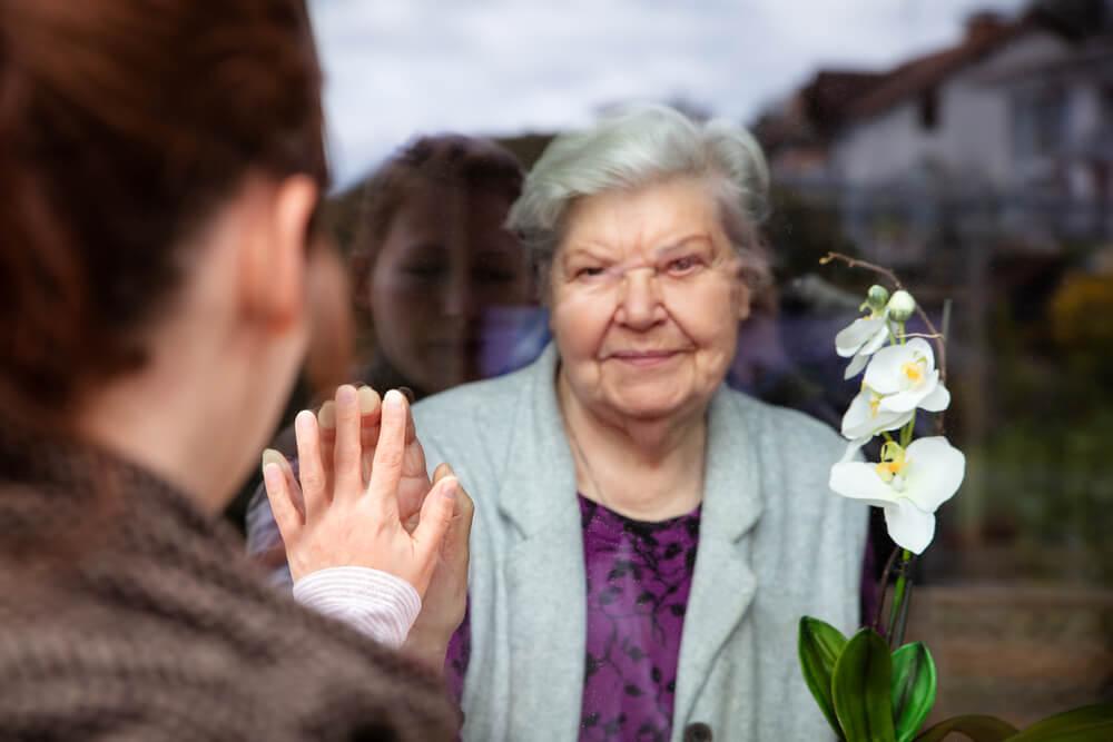 visit-elderly-family-members