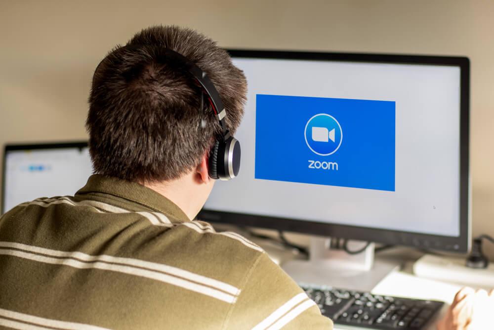 zoom-meeting-vs-webinar-platform